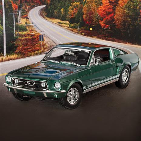 1967 Ford Mustang GTA Fastback (Green)