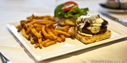 2009_fraiche_burger_challenge-1