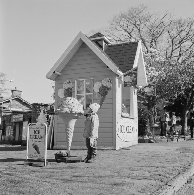 Noah ice cream hut - Rolleiflex