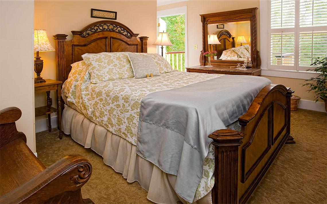 Emily's Room 1140x711px