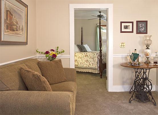Saffron's Suite Sitting Area 555x403px
