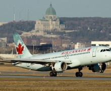 Avion Air canada aterizeaza