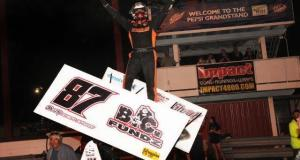 Aaron Reutzel picked up $13,000 in the Lucas Oil ASCS Casey's General Store High Roller Classic at the Missouri State Fair. (ASCS / John Lee)