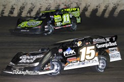 Jeff Herzog #11 moving past Darrell Lanigan #15 during the heat race!