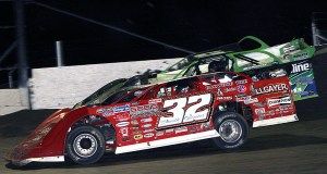 Bobby Pierce battling Brandon Sheppard - Jim Denhamer photo