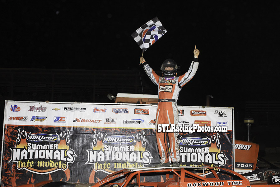 Bobby Pierce continues his HellTour dominance with Belle-Clair Speedway victory!