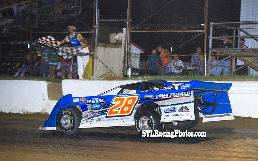 Dennis Erb, Jr. grabs Spoon River Speedway UMP Summer Nationals win!