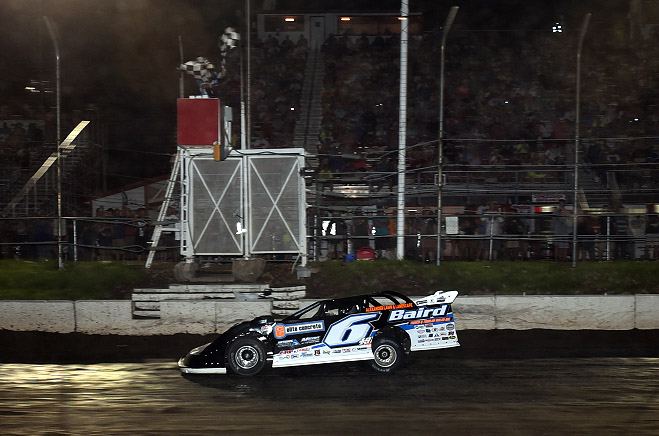 Davenport Claims First-Career Silver Dollar Nationals Victory