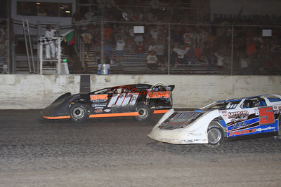 Jesse Stovall edging Brandon Sheppard at I-55 Raceway