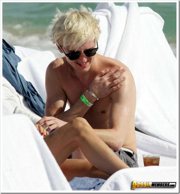 MAVRIXONLINE.COM - DAILY MAIL ONLINE OUT -  Harry Potter actor Tom Felton and his girlfriend Jade Gordon enjoy another day in the sun. Felton who plays mean Malfoy in the hit movies doffed his shirt to reveal his slim physique and made sure to put lotion on his fair skin before drinking a glass of Pepsi. Fontainebleau Miami Beach, FL. 12/30/09. Fees must be agreed for image use. Byline, credit, TV usage, web usage or linkback must read MAVRIXONLINE.COM. Failure to byline correctly will incur double the agreed fee. Tel: 305 542 9275 or 954 698 6777.
