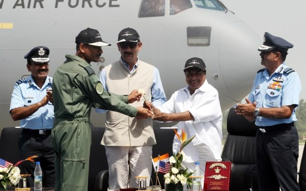 Group Captain BS Reddy being presented the 'Golden Key' to the squadron by Defense Minister AK Antony   DPR, Defense Ministry