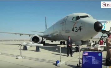 Video: US Navy Boeing P-8A at Dubai Airshow 2015