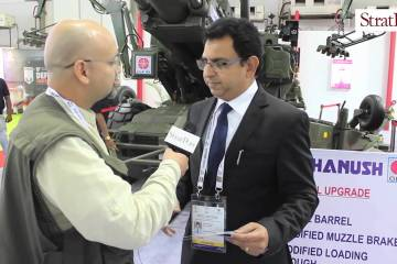 Video: India's Dhanush artillery at #DefExpo2016
