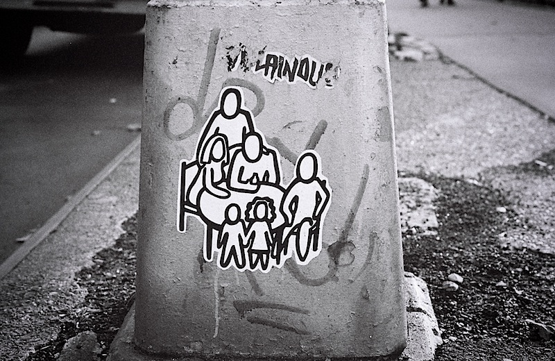 happy_family_street_art.jpg