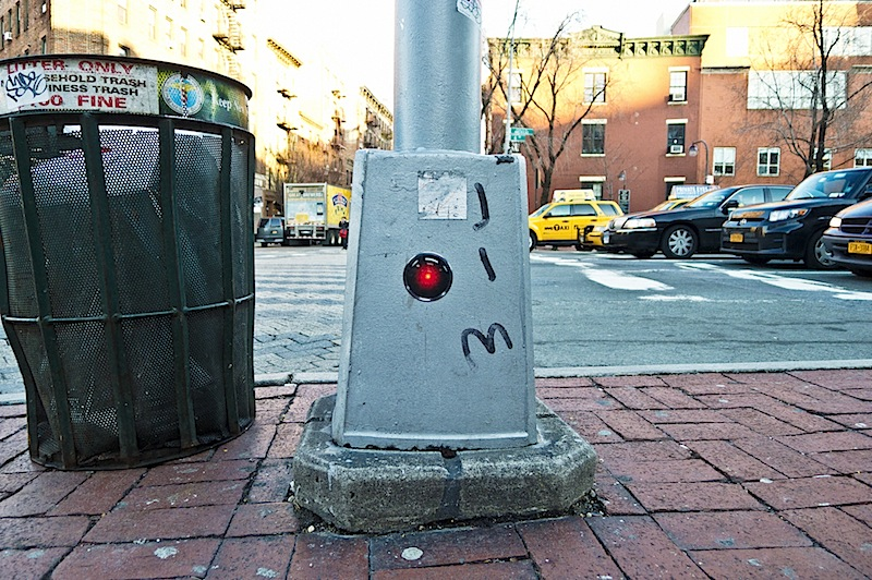 hal_9000_sticker_and_jim_joe_graffiti.jpg