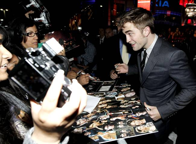 Premiere_Twilight_Breaking_Dawn_Part_1_CASH143_590751415112011