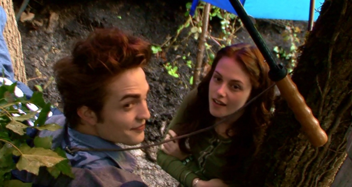 twilight-behind-the-scenes-robert-pattinson-and-kristen-stewart-29871654-1280-680