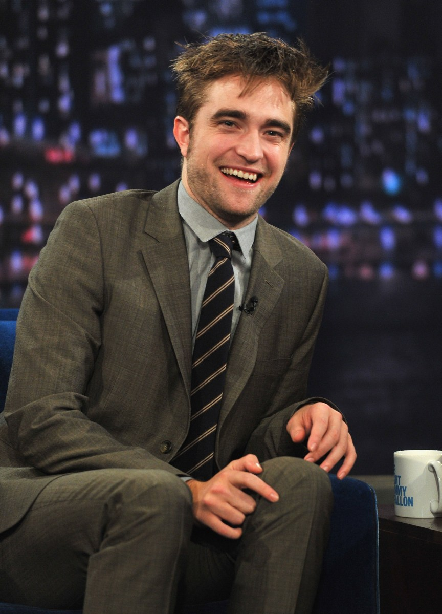 "Robert Pattinson & Carrie Underwood Visit ""Late Night With Jimmy Fallon"""