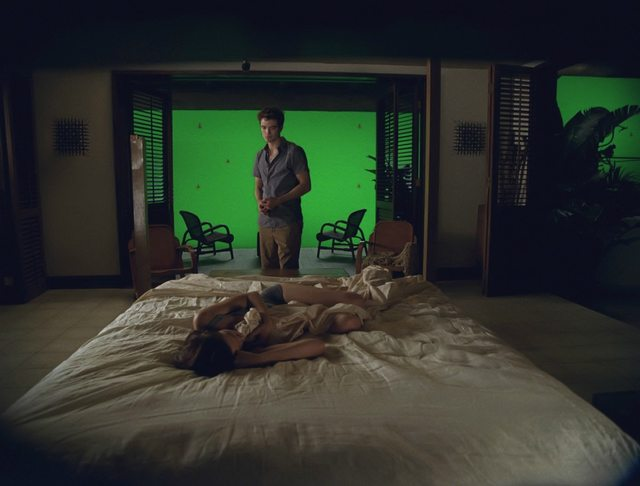 breaking-dawn-special-effects-bed
