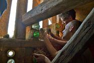 Flaschenwand Strohballengewölbe
