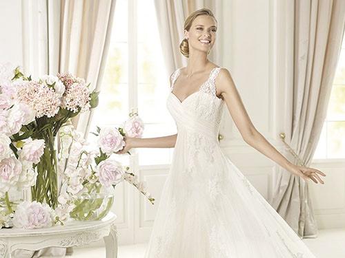 Reprezentacinė vestuvinių suknelių interneto svetainė