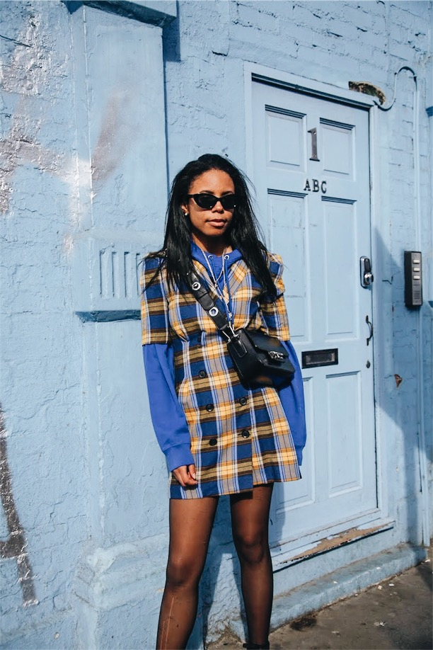 plaid hoodie with spring accessories bershka shoreditch london street style