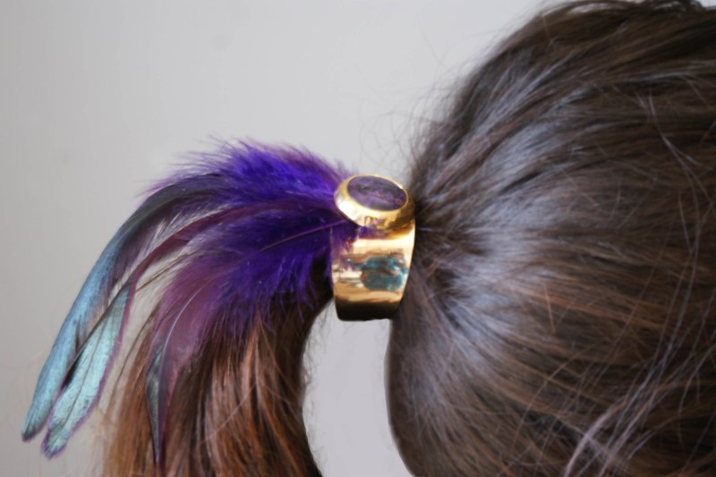 feather haircuff