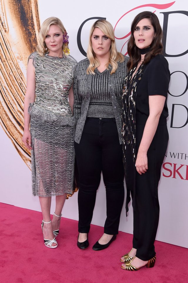 kirsten-dunst-laura-kate-mulleavy-cfda-awards-2016