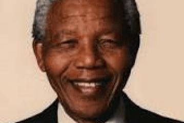 """عاجل : وفــــــــــــــاة الزعيم الافريقي المناضل """" نيلسون مانديلا """""""