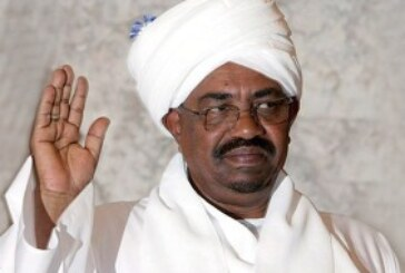 البشير يهنئ الشعب السوداني بحلول عيد الأضحى المبارك