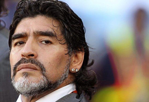 مارادونا: زوجتي السابقة سرقت أموالي وتمنت رؤيتي ميتاً