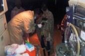 بالصورة : أطباء سودانيين متطوعين يتجولون ليلاً لعلاج أطفال الشوارع !!
