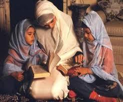 عندما يتحدث (الأطفال)… أمهات حائرات مابين مباغتة (الاسئلة) ودبلوماسية (الإجابات).!