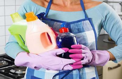خبراء أسرة يحذرون من مخاطر الشغالات الجميلات