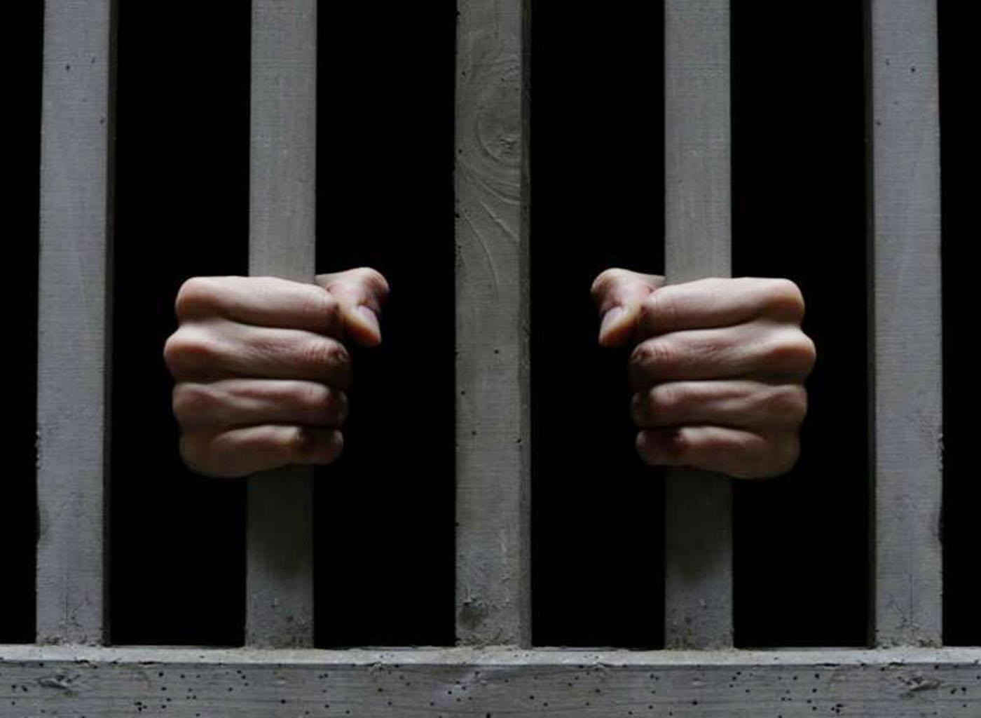 """القبض على متهم بسرقة (40) مليون بـ """" محطة آخر مكالمة """""""