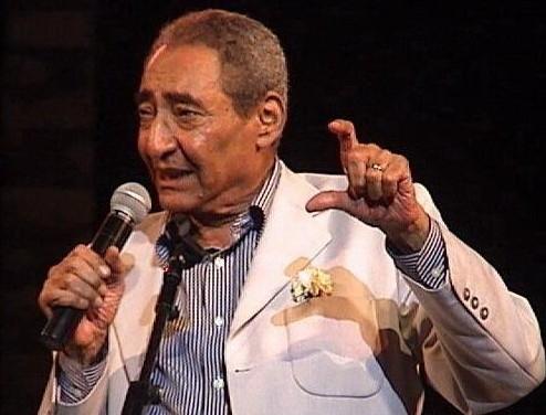 وفاة الشاعر الكبير عبد الرحمن الأبنودى وتشييع الجنازة اليوم من الإسماعيلية