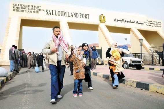 إحباط محاولة تسلل 84 مصريًا و10 سودانيين إلى ليبيا عبر السلوم