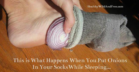صور.. ماذا يحدث عند وضع «بصلة» أسفل قدميك أثناء النوم