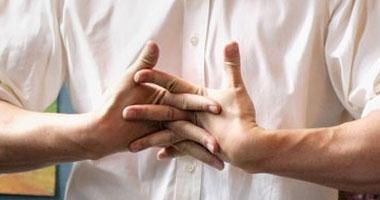 دراسة جديدة تتوصل لأسباب فرقعة الأصابع