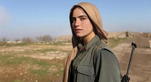 """بالصور ..تعرف على الجمال """"الكردي"""" الذي يواجه """"داعش"""""""