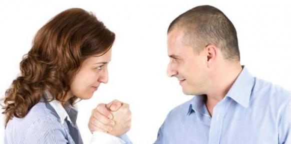 المرأة تتفوق على الرجل في سباق الذاكرة مع التقدم في السن