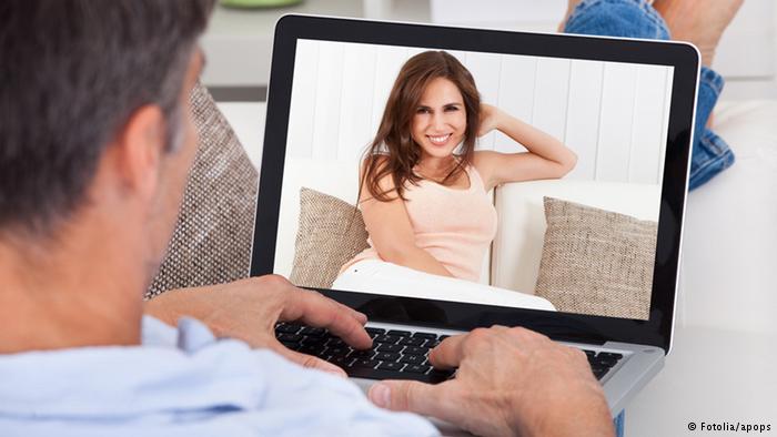 التعارف عبر الإنترنت..نصائح من أجل علاقة ناجحة وآمنة