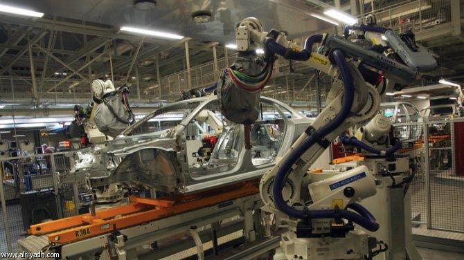 """يحدث لأول مرة.. روبوت """"يقتل"""" عاملاً في مصنع سيارات فلوكس فاغن"""