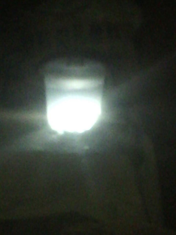 بالصور .. في أغرب ظاهرة طبيعية إضاءة مياه بئر جوفية بالسودان !!