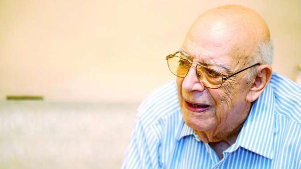 """وفاة علي سالم مؤلف """"مدرسة المشاغبين"""" الشهيرة"""