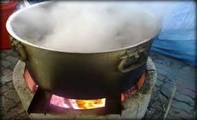 بسبب مشاجرة في اعمال المنزل فتاة تحرق شقيقتها بالماء المغلي بمايو جنوب الخرطوم