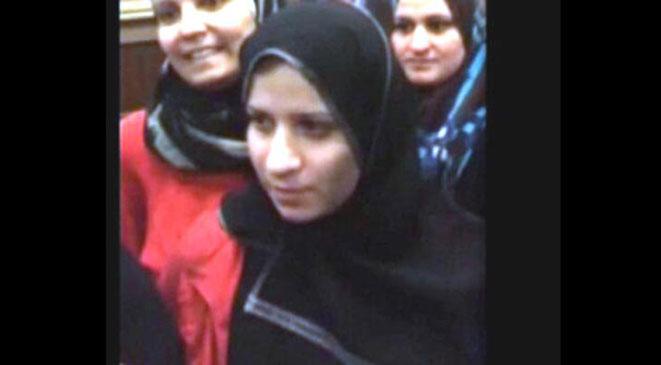 """19 معلومة عن سجى الدليمي: وصفها جنرال لبناني بـ""""الجمال وراء حجاب"""" وتزوجت أمير داعش"""