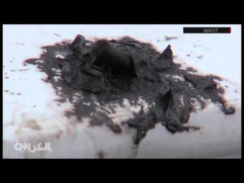 بالفيديو: مادة سوداء تسقط على سماء أمريكا وترعب سكانها