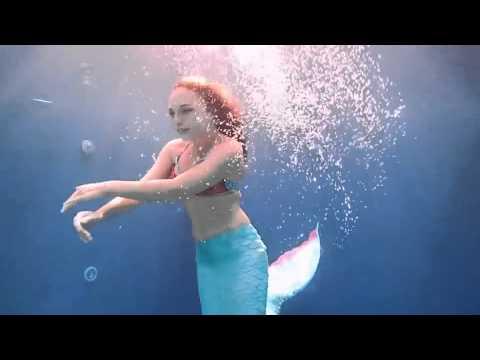 بالفيديو ..حورية بحر حقيقية تحول حلمها إلى واقع