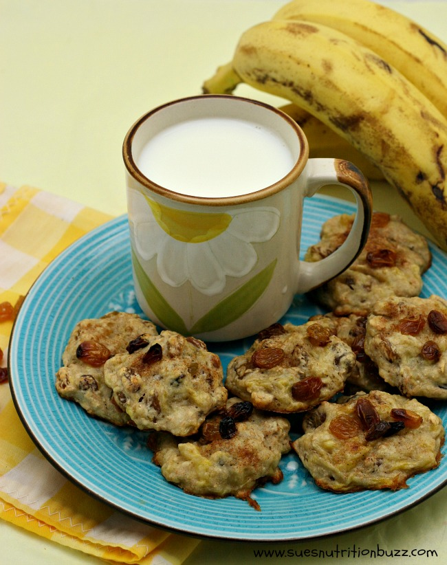 oatmeal raisin banana cookie